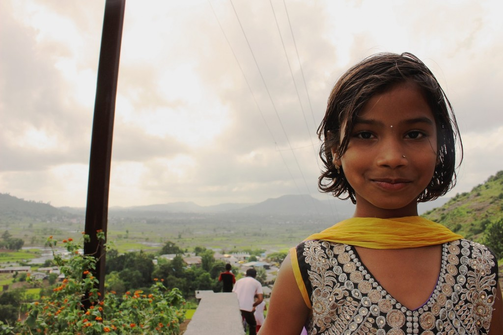 A snapshot of a little girl on the mountain